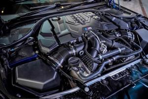 BMW M8 Gran Coupe_4.4L V8 M Power