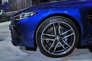 BMW M8 Gran Coupe_Front Wheel_M Brake Caliper_Headlight