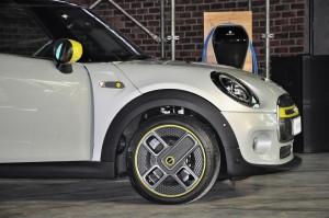 MINI Cooper S Electric_Wheel_Wallbox