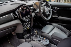 The New All-Electric MINI_Cockpit_Steering Wheel_Dashboard_Centre Console