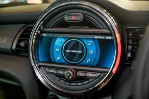 The New MINI JCW GP_8.8 Inch Display_Navigation_MINI Connected_Infotainment