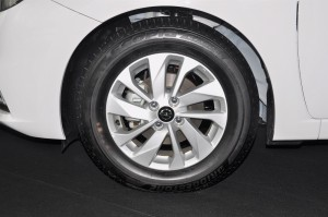 Nissan Almera Turbo_1.0 VL_15 Inch Alloy Wheel