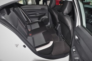 Nissan Almera Turbo_1.0 VL_Rear Seats