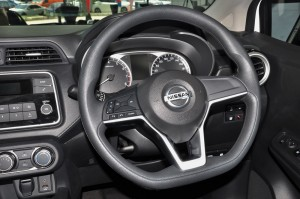 Nissan Almera Turbo_1.0 VL_Steering Wheel