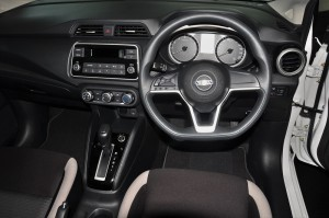 Nissan Almera Turbo_1.0 VL_Cockpit_Steering Wheel_Dashboard