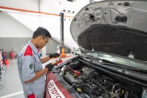 Toyota Service Centre_Technician