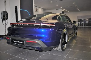 Porsche Taycan Turbo_Rear View