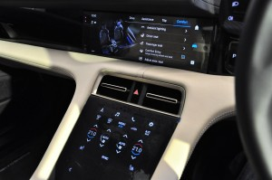 Porsche Taycan_Centre Console_Infotainment Display_Touch Panel_Climate Control