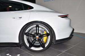 Porsche Taycan_Rear Wheel_Brake_Caliper_Disc