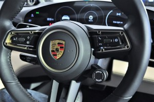Porsche Taycan_Steering Wheel