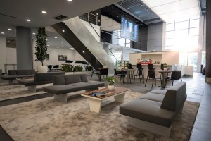 Porsche Centre_Customer Lounge_Cafe_Showroom