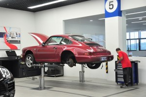 Classic Porsche_Workshop_Frameless Hydraulic Lift