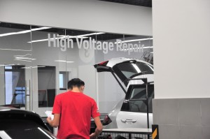 Porsche_Workshop_High Voltage Repair