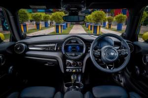 MINI Electric First Edition_Interior_Dashboard