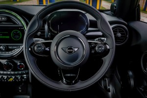 MINI Electric First Edition_Steering Wheel