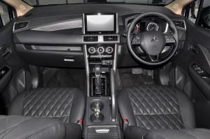 Mitsubishi XPANDER_Dashboard_Steering_Infotainment_Centre Console