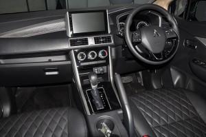 Mitsubishi XPANDER_Cockpit_Steering_Infotainment