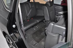 Mitsubishi XPANDER_3rd Row_2nd Row Seats_Tumble Fold