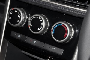 Mitsubishi XPANDER_Air Cond Controls