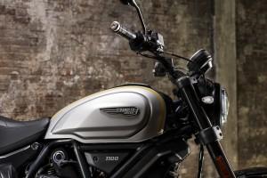 Ducati Scrambler 1100 PRO_Fuel Tank_Handlebar