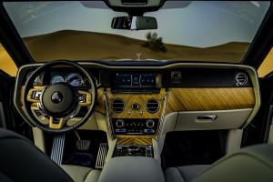Rolls-Royce Cullinan_Interior_Dashboard_Steering