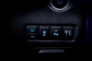 Toyota Yaris_Eco Mode_Sport Mode_VSC_Headlight Leveling