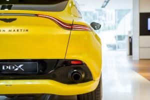 Aston Martin DBX_Rear_Tail Light_Exhaust