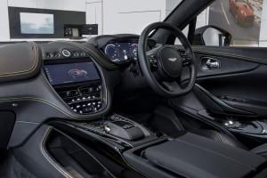 Aston Martin DBX_Interior_Cockpit_Steering_Touchscreen