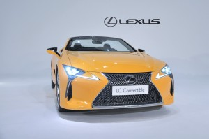 Lexus LC 500 Convertible_Front Spindle Grille_LED Headlights