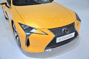 Lexus LC 500 Convertible_Front End_Headlights_Grille