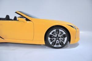 Lexus LC 500 Convertible_Wheel_Nose