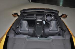 Lexus LC 500 Convertible_Cabin_Seats_Dashboard