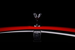 Rolls-Royce Black Badge Neon Nights_Spirit Of Ecstasy