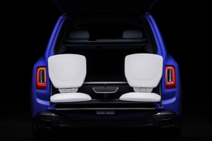 Rolls-Royce Black Badge_Neon Nights_Cullinan_Seats