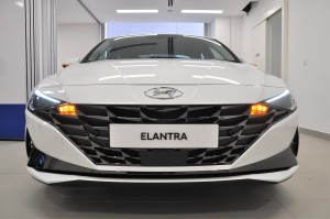 Hyundai Elantra_CN7_Parametric Jewel Grille_Headlights