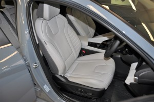 Hyundai Elantra_Front Leather Seats