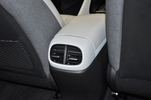 Hyundai Elantra_Rear Air Vents