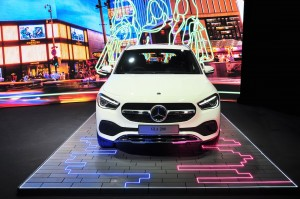 Mercedes-Benz GLA 200 Progressive Line_Front