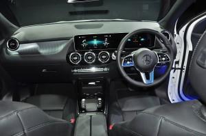 Mercedes-Benz GLA 200 Progressive Line_Dashboard_Steering