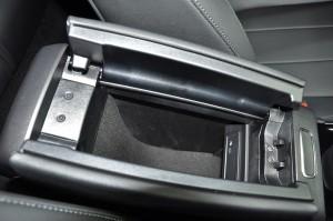 Mercedes-Benz GLA_Front Armrest_Storage_USB