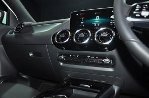 Mercedes-Benz GLA 200 Progressive Line_Climate Control_Air Vents