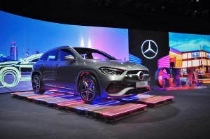 Mercedes-Benz_GLA 250_AMG Line