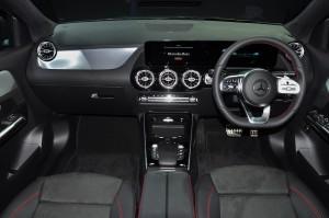 Mercedes-Benz GLA 250 AMG Line_Dashboard_Steering