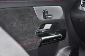 Mercedes-Benz GLA 250 AMG Line_Front Passenger Memory Seat