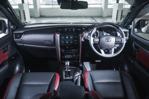 Toyota Fortuner_Interior_Dashboard_Steering