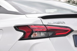 Nissan Almera Turbo_LED Tail Light