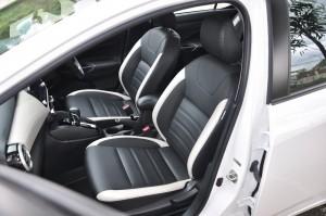 Nissan Almera Turbo VLT_Front Seats
