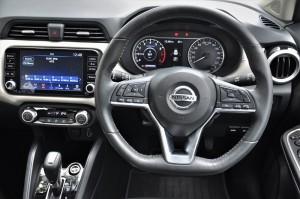 Nissan Almera Turbo VLT_Steering_Meter_Touchscreen