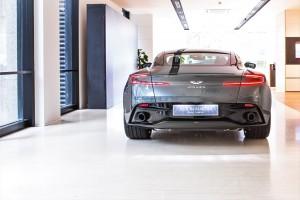 Aston Martin DB11_V8_Coupe_Rear