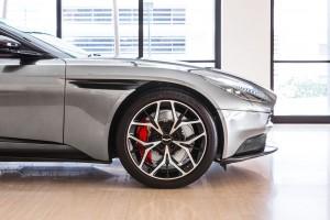 Aston Martin DB11 V8 Coupe_Magnetic Silver_Wheel_Brake